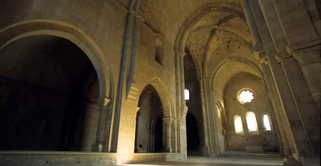 http://locusonus.org/documentation/img/REALISATIONS/AMBITUS/abbaye_3.jpg